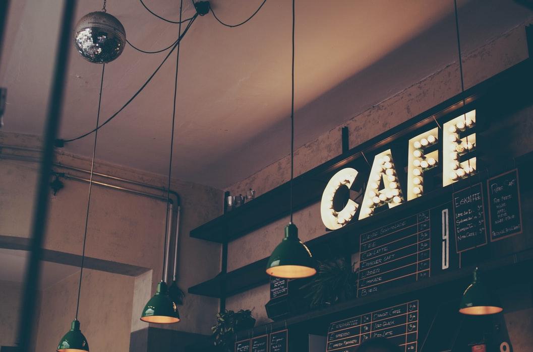 Em định sang lại quán café nhưng lỗ 30 triệu, tính sao anh?