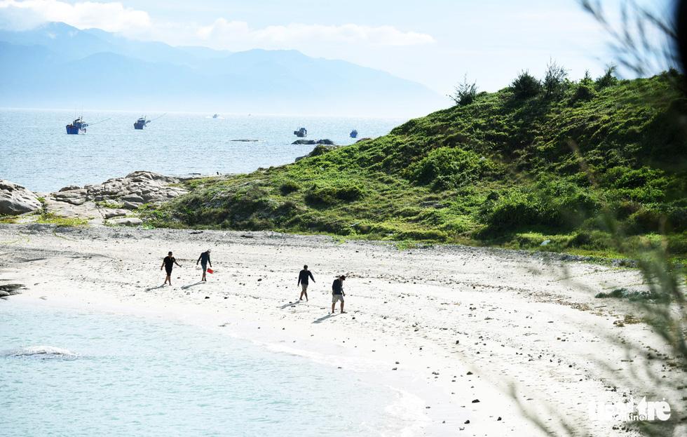 Đến Cù Lao Câu lặn ngắm san hô, ngắm vương quốc đá - Ảnh 5.