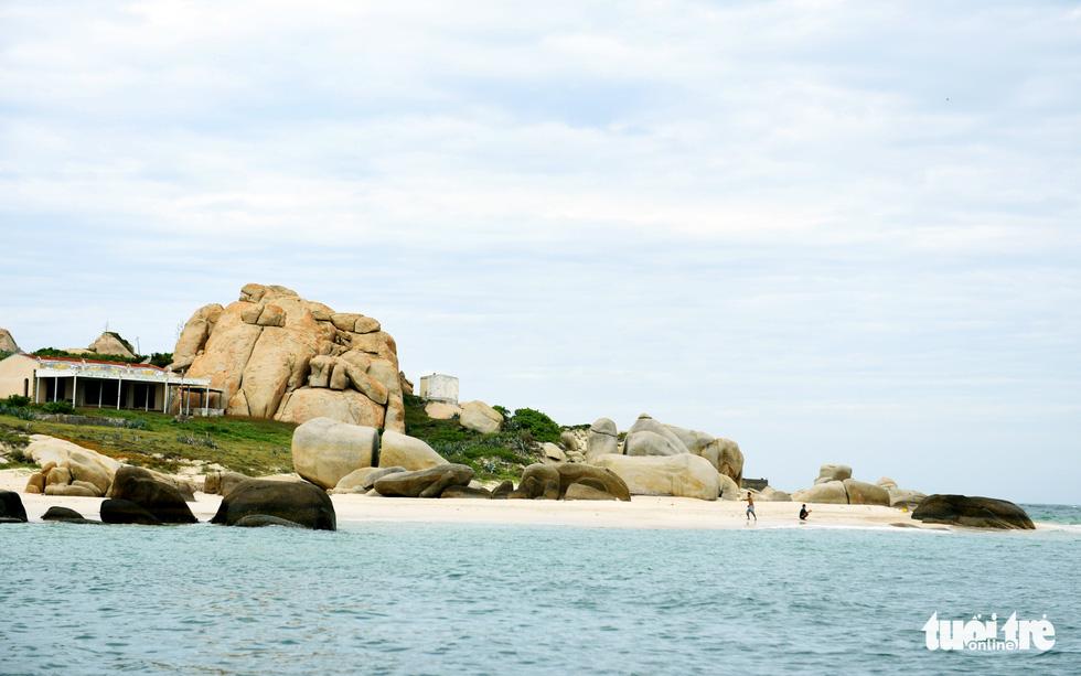 Đến Cù Lao Câu lặn ngắm san hô, ngắm vương quốc đá - Ảnh 10.