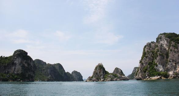 Những bãi cát trắng mịn như nhung trên xã đảo Minh Châu - Ảnh 2.